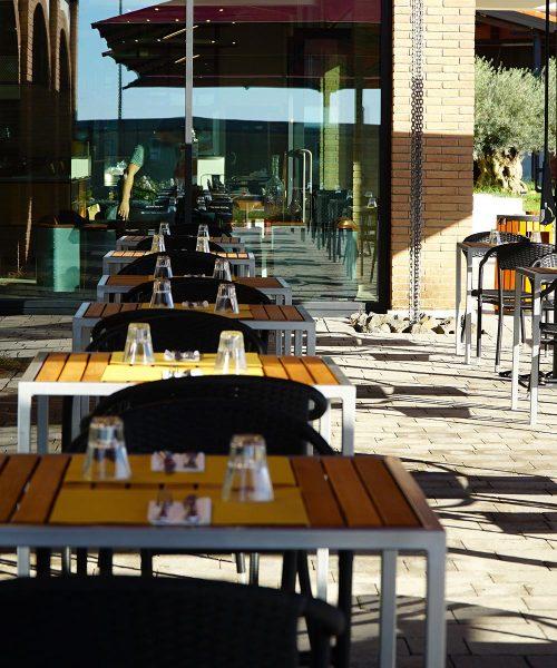 spazio esterno ristorante per comunioni stazione mole